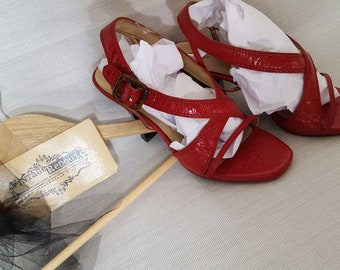 Womens vintage red slingback pumps heels