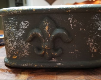 Small Clay Fleur-de-lis Planter/ Pot