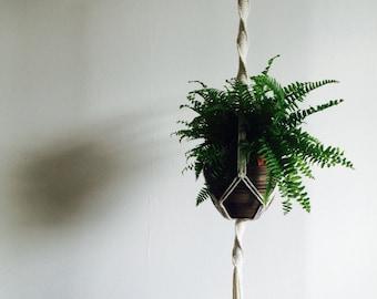 Macrame plant hanger, Plant hanger, Plant Holder, Plant display, Rope hanger, Hanging planter, Bohemian, Boho style, UK, TWISTY