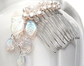 White Wedding Hair Comb with leaves and pearls, Bridal Hair Comb, Wedding Hair Accessories, White Hair Comb with leaves