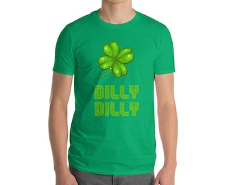 Vintage Green St. Patrick's Day 8-bit Irish Clover Short-Sleeve T-Shirt