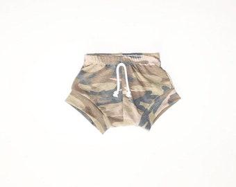 Bummies//baby bummies//summer shorts//diaper cover//camo shorts//toddler shorts
