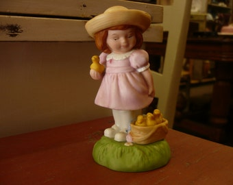 Figurine Avon Easter 1985 Little Girl and Ducks