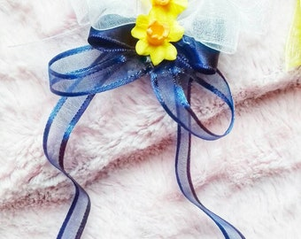 Pretty daffodil hairclip with ribbons