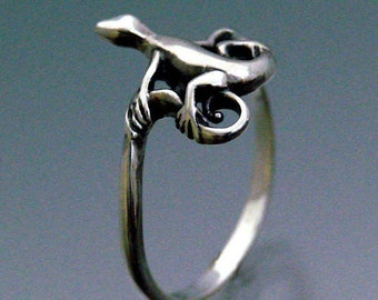 Lizard Ring ~ Size 3 to 8.5
