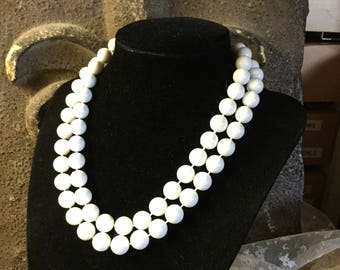 Brightest White Double Strand Lucite Bead Choker Necklace Unsigned Simple Design Feminine Short Sweet