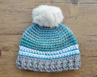 READY to ship / warm crochet baby Hat / Pompom fur recycled / 0-3 months