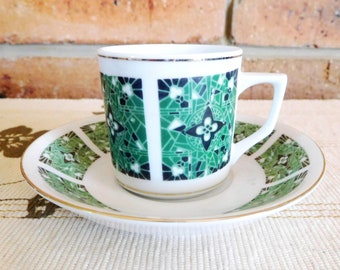 Chinese porcelain 1970s demitasse espresso cup and saucer, export market