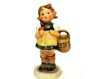 Hummel Figurine Sister #98/2/0 Goebel West Germany TMK 5