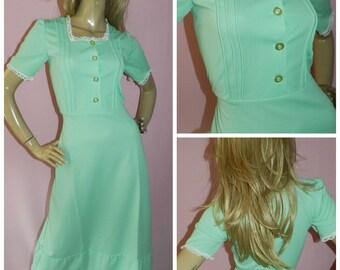Vintage 70s LIME Green White lace trim Pintuck detail PRAIRIE Revival maxi dress 10-12 S/M 1970s Little Bo Peep Kitsch