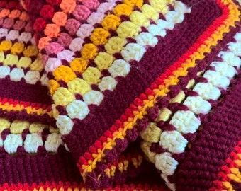 vintage mid-centuries granny crochet throw/ blanket 140-195 cm
