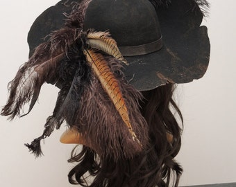 The Pirate Hat//Pirate//Larp Steampunk//gothic//black felt hat with feathers-Accessory mask Magic Black