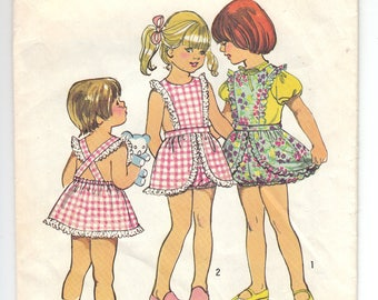 1970s Simplicity 5594 Girls Pinafore and Bloomers - Size 2 Child - Vintage Sewing Pattern