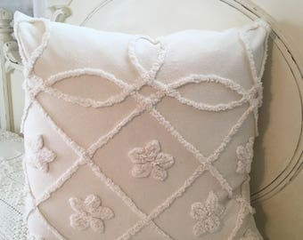1 Vintage chenille pillow slip.