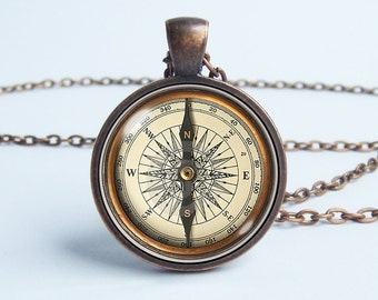 Vintage compass necklace Old compass pendant Husband gift Compass jewelry Men necklace Voyage Steampunk necklace Traveler gift Tourist gift