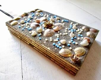 Gorgeous Golden Vintage Clutch - Gala - Wallet - Handbag - Strap - Shells - Rose - Floral - Gold - Compact - Lipstick - Glamour - Mad Men
