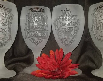 Set of 4, Harry Potter glasses, Etched by Hand, Smoked, Clear, Frosted, Slytherin, Ravenclaw,Gryfinder,Hufflepuff