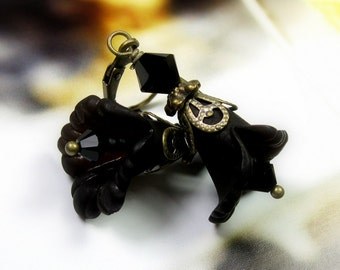 Jet Black Flower Earrings, Goth, Swarovski Crystal, Vintage Style, Charcoal, Womens Accessories, Romantic Sexy Jewelry, Boho Chic, Jewellery