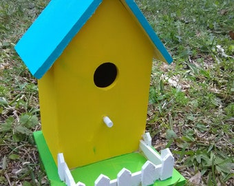 Floridian Birdhouse, hand painted. Wooden birdhouse. White picket fence, Floridian Spring