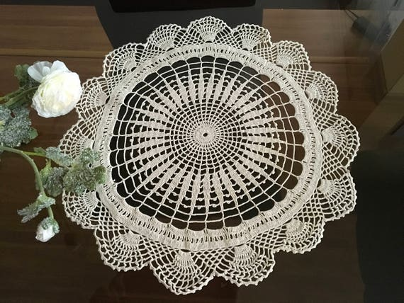 White Round Doilies Doily Crochet Handmade Lace Table Topper Wedding Gift for Bridal Small Crochet Centerpiece Crocheted lace Gift for Mom