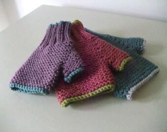 """Knitting Pattern for Children's """"Carrie"""" Fingerless Gloves"""