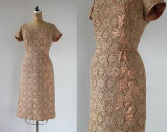 vintage 1950s dress / 50s lace cocktail dress / 50s peaches n cream dress / 50s lace wiggle dress / 50s lace party dress / large 30in waist