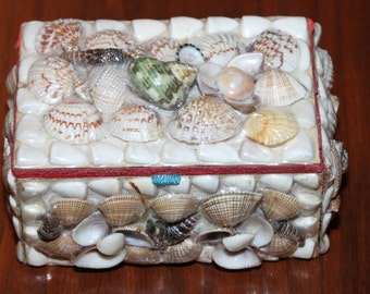Lovely 1960's Seashell Trinket Box
