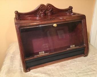1970 Roger Aplin Cigar Display Case