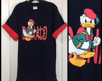 1990s Donald Duck reversible sleeves black red cotton t-shirt size XL 23x30 Walt Disney character tee made in USA