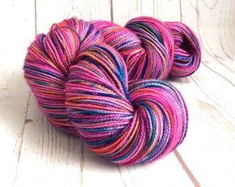 Hand Dyed, Superwash Yarn, Merino Wool, Sock,  High Twist, ilovepinkgeraniums, 365m, 100g