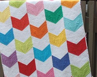 GIGGLES Quilt Pattern - Jaybird Quilts - Sidekick Pattern - Modern Quilt Pattern - Contemporary Quilt Pattern - Arrow Tail Quilt Pattern
