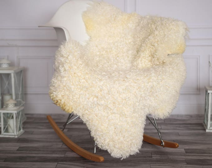 Gotland Sheepskin Rug | Curly fur Rug | Curly Sheepskin Rug | Curly Sheepskin | Christmas Decor | GOTNOVHER27