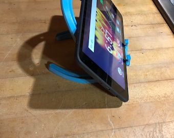 Horseshoe Tablet Stand