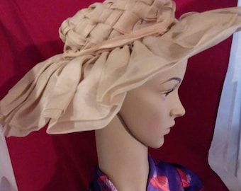 Vintage tan Audrey Hepburn style midcentury sun bonnet by Best's Apparel of Seattle