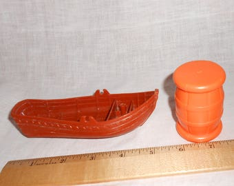 1994 Great Adventure FP Fisher Price Pirate Ship Barrel & Free Row Boat