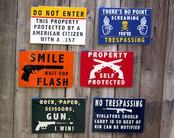 Metal Outdoor Gate and Fence signs - Lot 1