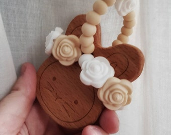 Pre-order slot for the Lingonbunny: personalize wooden bunny with flower crown, as either teether or nursing necklace