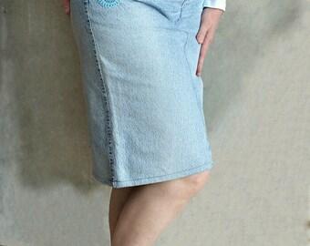 Womens skirt Midi skirt Pencil skirt with pockets Blue skirt Retro Upcycled denim skirt Vintage skirt Casual skirt Jean skirt 80 denim cloth