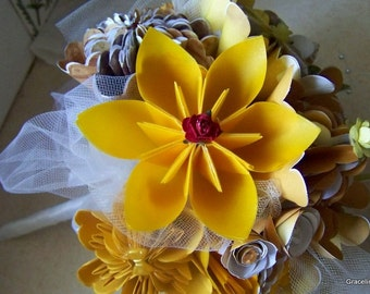 Origami Kusudama Bouquet Includes 8 Flowers Plus Rolled Roses