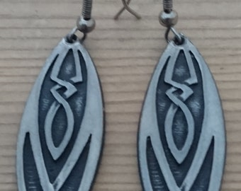 Vintage open ocean celtic design drop earrings
