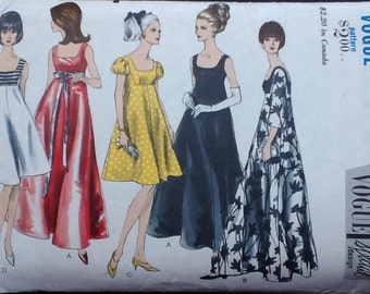 Vogue Special Design pattern 6924. Vintage 1960s misses' flared evening dress in two lengths, self or contrast bodice, square neckline