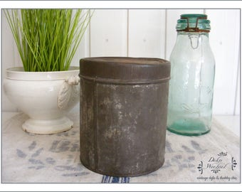 French old tin can - country house decoration