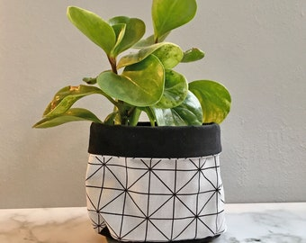 Pot Pouch White Geometric