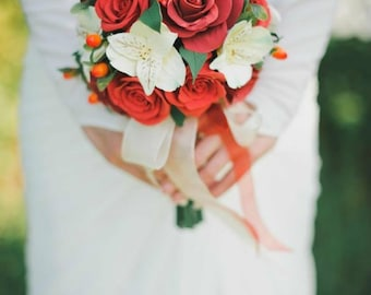 Red! Bride's bouquet and matching boutonnière and bracelet
