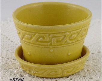 McCoy Greek Key Flower Pot,Yellow Greek Key Flower Pot,McCoy Pottery Green Key 2 3/4 Inch Tall Flowerpot (Inventory #3864)