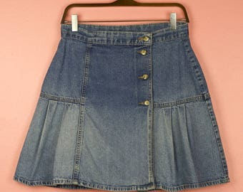 MARKED DOWN! Early 90s Perfectly Worn in High Waist Denim Pleated Skirt - Size M, 8/10