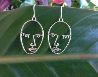 Face earrings Picasso Face Statment Minimal Hollow Face Earring, Abstract Style,Unique Dangle Earrings in Gold, Picasso Style artsy Earrings