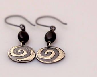 Swirl Pattern Silver With Black Onyx Dangle Earrings, Round Silver Bohemian Earrings