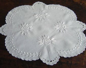 Vintage Centerpiece  Art Deco Linen Floral Hand Embroidered White Centerpiece Doily With Hand Stitching and Eyelets All Hand Made Soft Linen