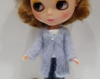 handknitted cardi for Blythe